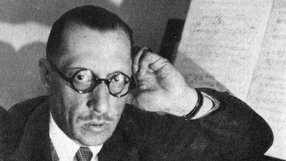 Foto von Igor Strawinsky 1882-1971, einem russischen Komponisten, Pianisten und Dirigenten.