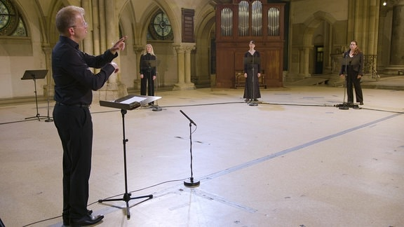 Sänger in Kirche