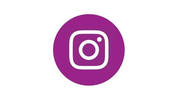 Lilafarben gefüllter Kreis mit dem Logo von Instagram in der Mitte.