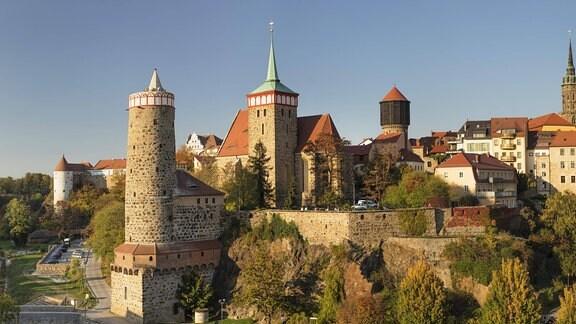 Alte Wasserkunst, Michaeliskirche, Petridom und Rathausturm in Bautzen