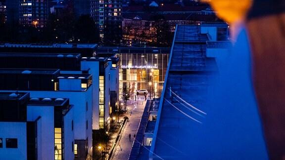 Blick von Turm auf Dessau mit Bauhaus-Museum