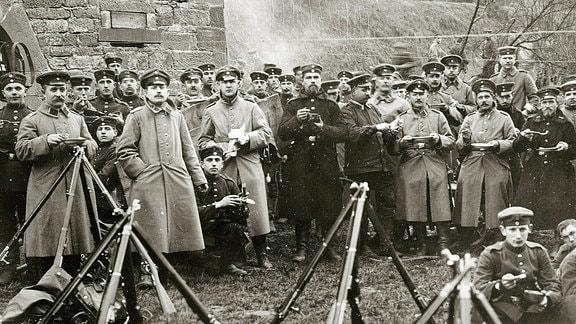Feldküche mit preußischen Infanterie-Soldaten an der Westfront bei Verdun