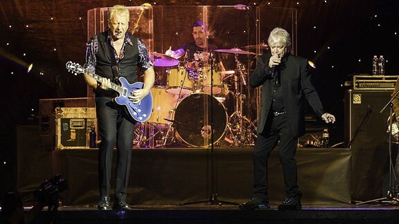 Band Air Supply