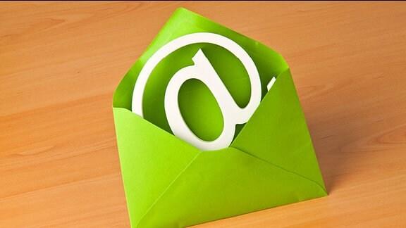 Newsletter - ein @-Zeichen in einem Briefumschlag