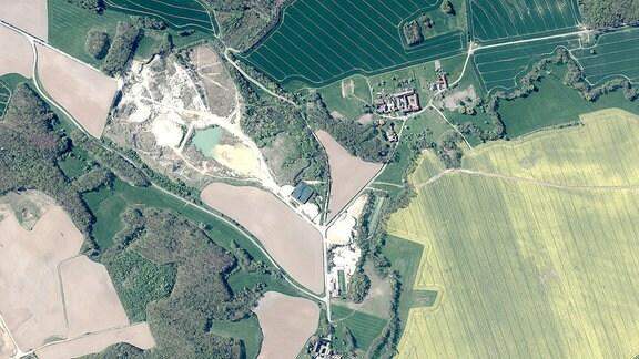 Luftaufnahme des thüringischen Ortes Pratschütz