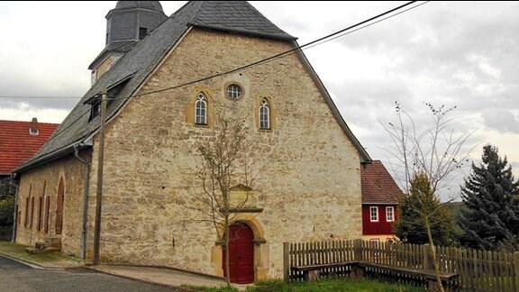 Die Kirche des Ortes Scherbda.
