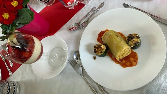 Kohlroulade und Panna cotta