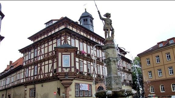 Brunnen vor dem Rathaus von Vacha im Wartburgkreis