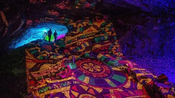 Die Barbarossahöhle illuminiert