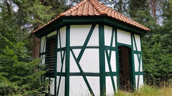 Eine kleine Fachwerk-Hütte