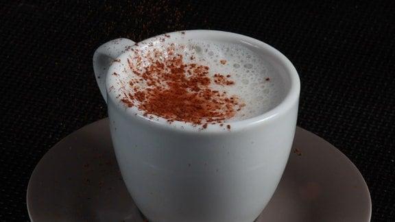 Geeister Espresso mit Milchschaum