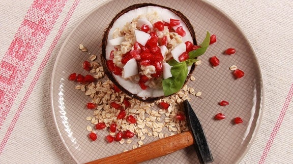 Lauwarmer Porridge mit Kokosnuss