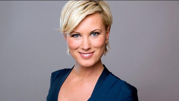Moderatorin Kamilla Senjo