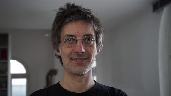 """Martin Langenbach in seiner """"Geräuschewerkstatt"""""""