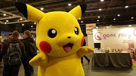 Pikachu auf einem Streifzug durch die Gemeinde