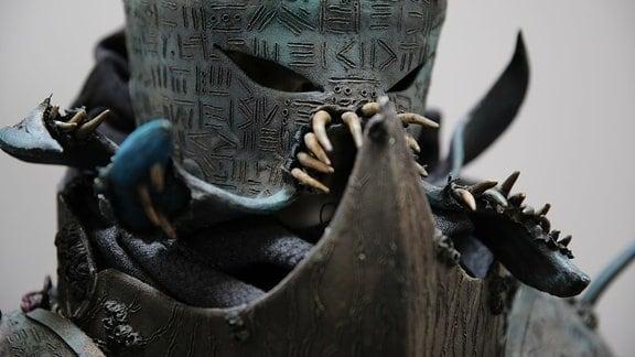 Selbstgebaute Cosplay-Rüstung inspiriert von H.P. Lovecraft