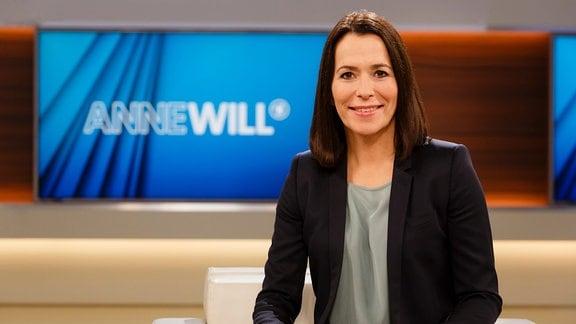 Logo der Sendung Anne Will sowie ihr Portät