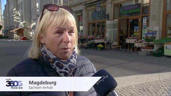 Frau in Magdeburg, Sachsen-Anhalt
