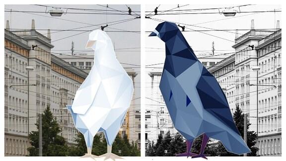 Weiße Taube vor buntem und blaue Taube vor schwarz-weißem Stadtbild.