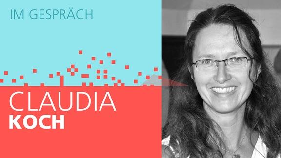 """Links steht der Text """"Im Gespräch Claudia Koch"""". Im Hintergrund löst sich eine rote Fläche in Würfel auf, als Symbol für das Digitale. Auf der rechten Seite ist ein Schwarz-Weiß-Portrait von Claudia Koch, stellvertretende Landeselternsprecherin für Gymnasien Thüringen, abgebildet."""