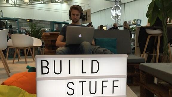 von den Medientagen München 2018: User mit MacBook