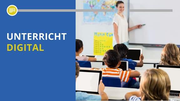 Klasse Schulkinder mit Tablets vor einem Whiteboard.