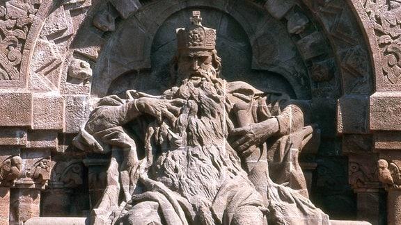 Skulptur von Kaiser Barbarossa auf dem Kyffhäuser