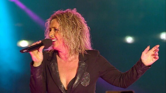 Daniela Alfinito singt.
