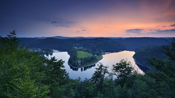 Die Saaleschleife der Bleilochtalsperre, Naturpark Thüringer Schiefergebirge, Thüringer Meer, Saalekaskade