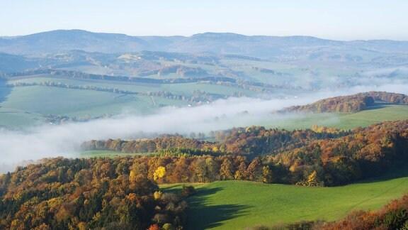 Blick vom Großen Hörselberg im Herbst in Richtung Thüringer Wald
