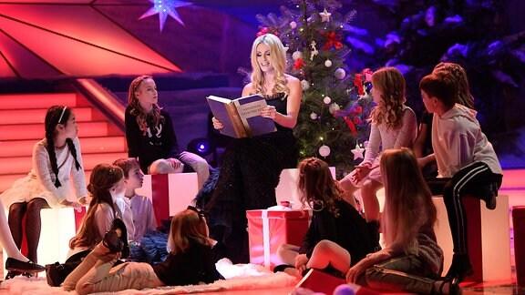 Michelle Hunziker liest eine Adventsgeschichte