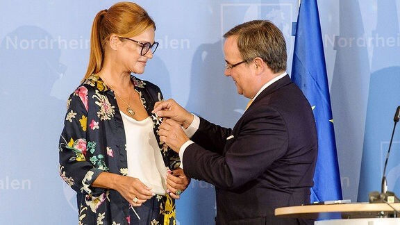 Andrea Berg wird mit dem Verdienstorden des Landes Nordrhein-Westfalen ausgezeichnet.