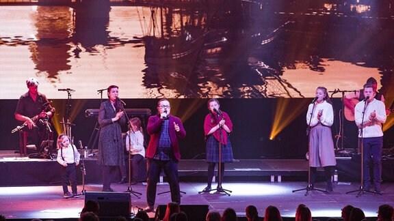Angelo Kelly & Family live bei einem Konzert, 2018