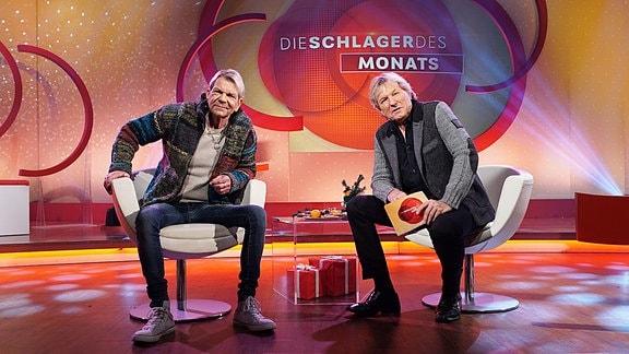 Bernhard Brink und Matthias Reim sitzen im Studio.