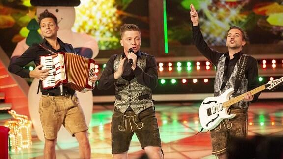 Die Band Dorfrocker auf er Bühne.