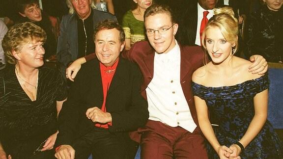 Stefanie Hertel (re.) mit Eltern Eberhard u. Elisabeth Hertel und Stefan Mross (re.)
