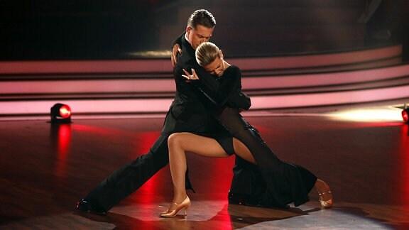 Ella Endlich und Valentin Lusin in der 6. Live-Show der 12. Staffel der RTL-Tanzshow Let s Dance