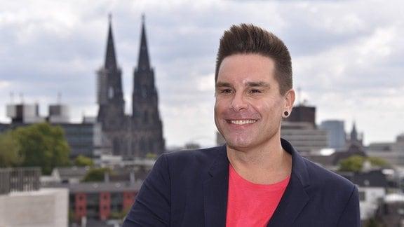Der Sänger Eloy de Jong posiert am 03.09.2019 in Köln bei einem Pressetermin.