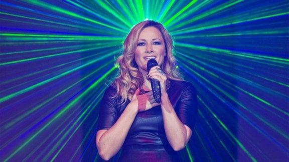 Sängerin Helene Fischer beim Auftritt in der Festhalle.