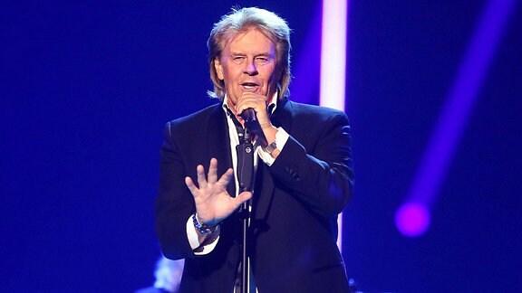 Sänger Howard Carpendale während einer Fernsehshow.