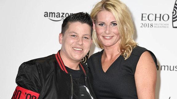 Kerstin Ott mit Ehefrau Karolina