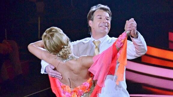 Patrick Lindner tanzt mit Isabel Edvardsson