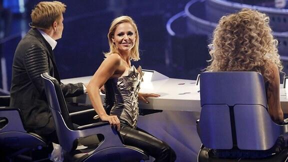 Dieter Bohlen und Michelle in der ersten Liveshow der 14. Staffel der RTL-Castingshow Deutschland sucht den Superstar.