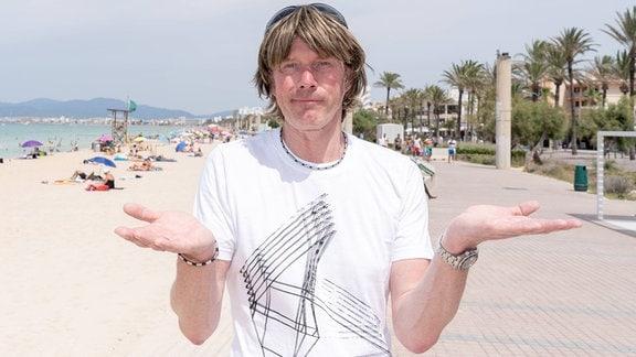 Mickie Krause am Strand von Playa de Palma
