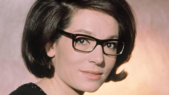 Nana Mouskouri, Portrait aus den 60er Jahren