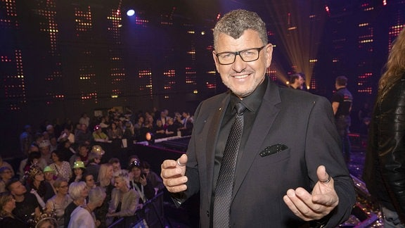 Semino Rossi in der TV Show Alle singen Kaiser - das große Schlagerfest in der Media City.