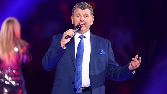 Sänger Semino Rossi während der ARD Fernsehshow Schlagerchampions - Das große Fest der Besten