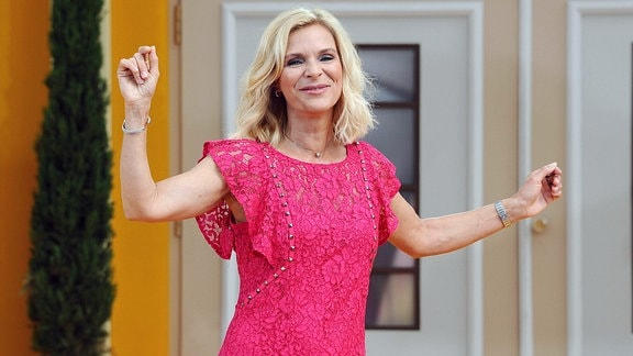 Sängerin Uta Bresan während der ARD - Unterhaltungsshow Immer wieder Sonntags.