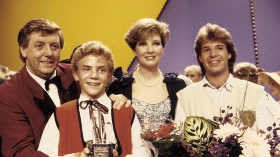 Karl Moik, Stefan Mross, Carolin Reiber und Patrick Lindner / Grand-Prix der Volkmusik / Linz / 1989