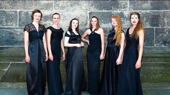 Viola Blache (Sopran), Marie Fenske (Sopran), Franziska Eberhardt (Sopran/Mezzosopran), Helene Erben (Alt/Kontraalt), Marie Charlotte Seidel (Mezzosopran/Alt), Felicitas Erben (Alt)